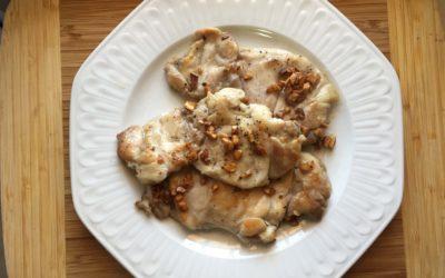 Filetes de contramuslo de pollo al ajillo de vinagre